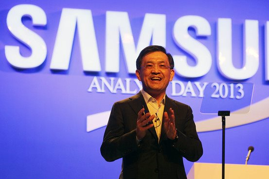 Samsung Electronics Vice Chairman Kwon Oh-hyun announces the company's long-term growth strategy at the Analyst Day 2013 event on November 6 at the Dynasty Hall in the Shilla Hotel.
