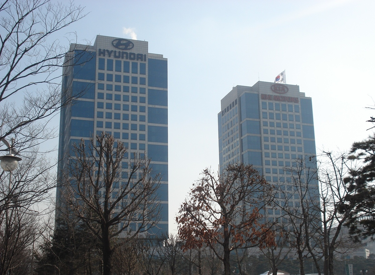 The Hyundai Motor Company's headquarters in Seoul is located in the Yangjae district, along with the offices of Kia Motors and the two companies' parent corporation, Hyundai Motor Group. (Photo by Chu via Wikimedia Commons)