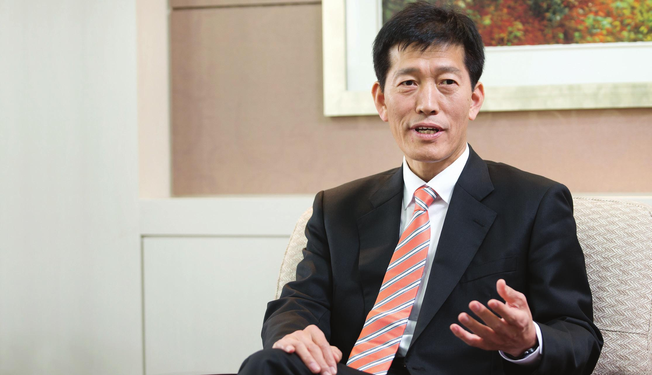 Seong Si-heon, administrator of the Korean Agency for Technology and Standards.