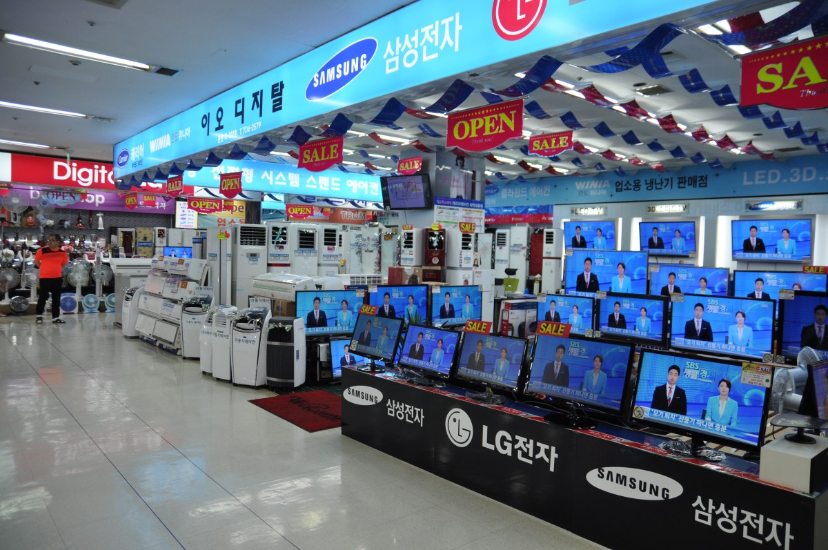 Some booths at Yongsan Electronics Market, the beating heart of hardware in the center of Seoul, South Korea.