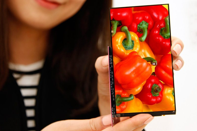 A new full-HD smartphone display with 0.7 mm bezels developed by LG Display.