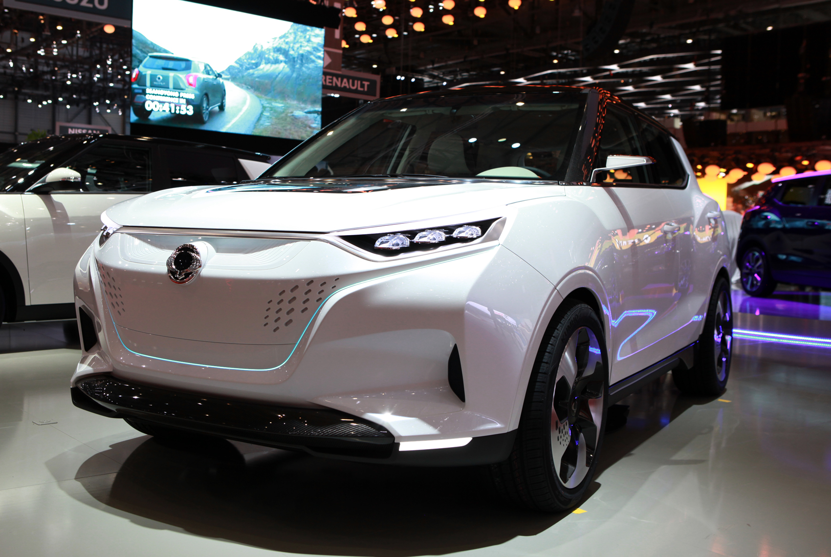 Ssangyong S Environmentally Friendly Tivoli Evr Concept Suv