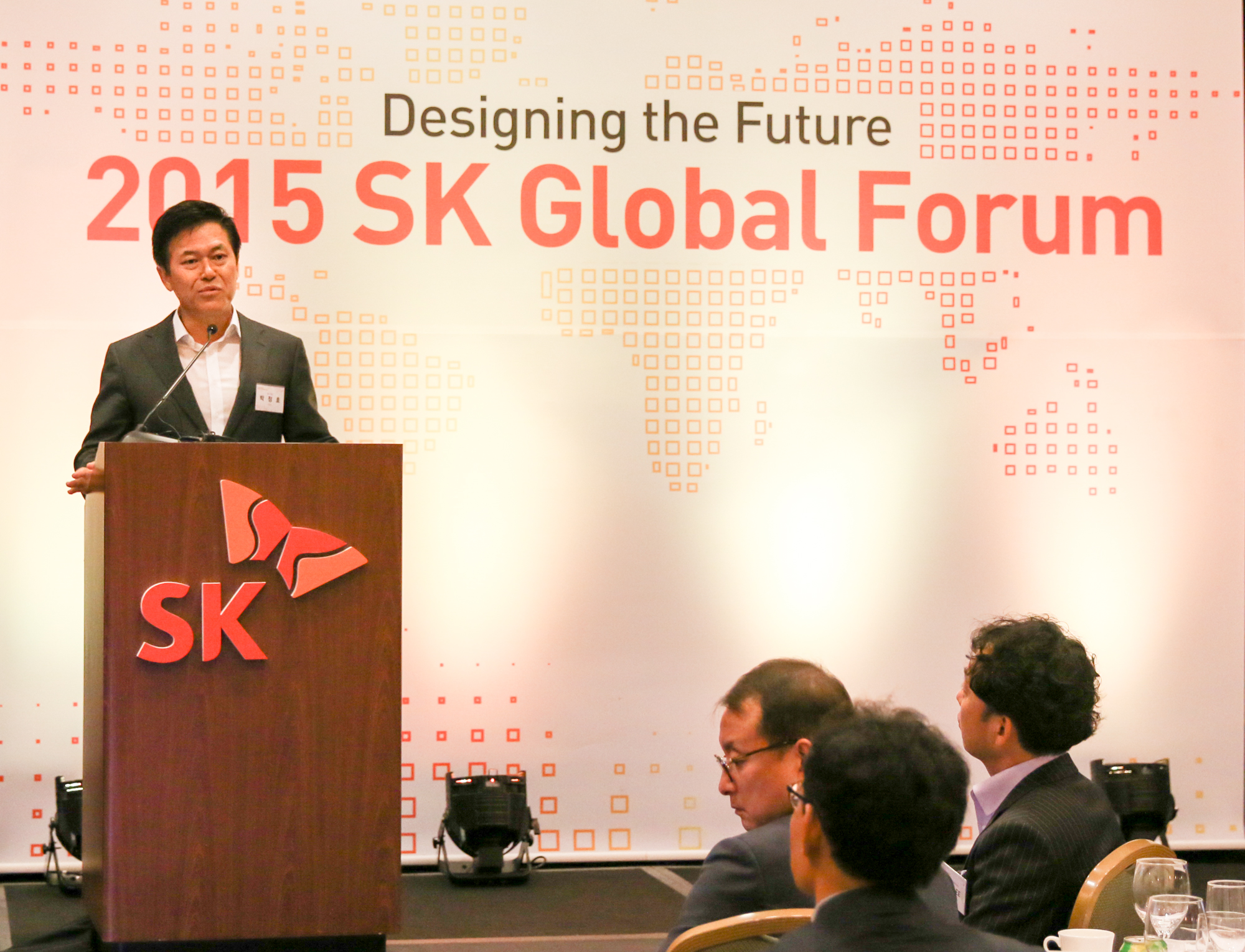 Park Jung-ho, CEO of SK C&C, delivers his keynote address at the 2015 SK Global Forum on June 5 in Silicon Valley.