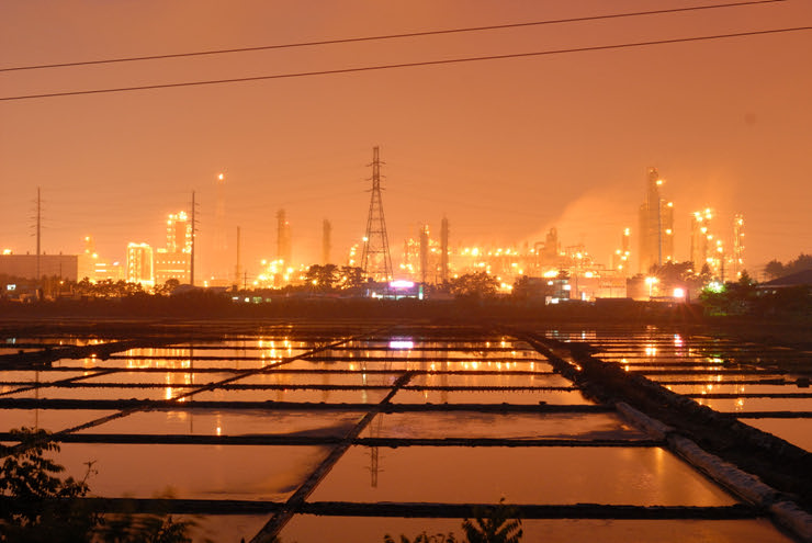 A night time photo of Daesan Chemical Complex.