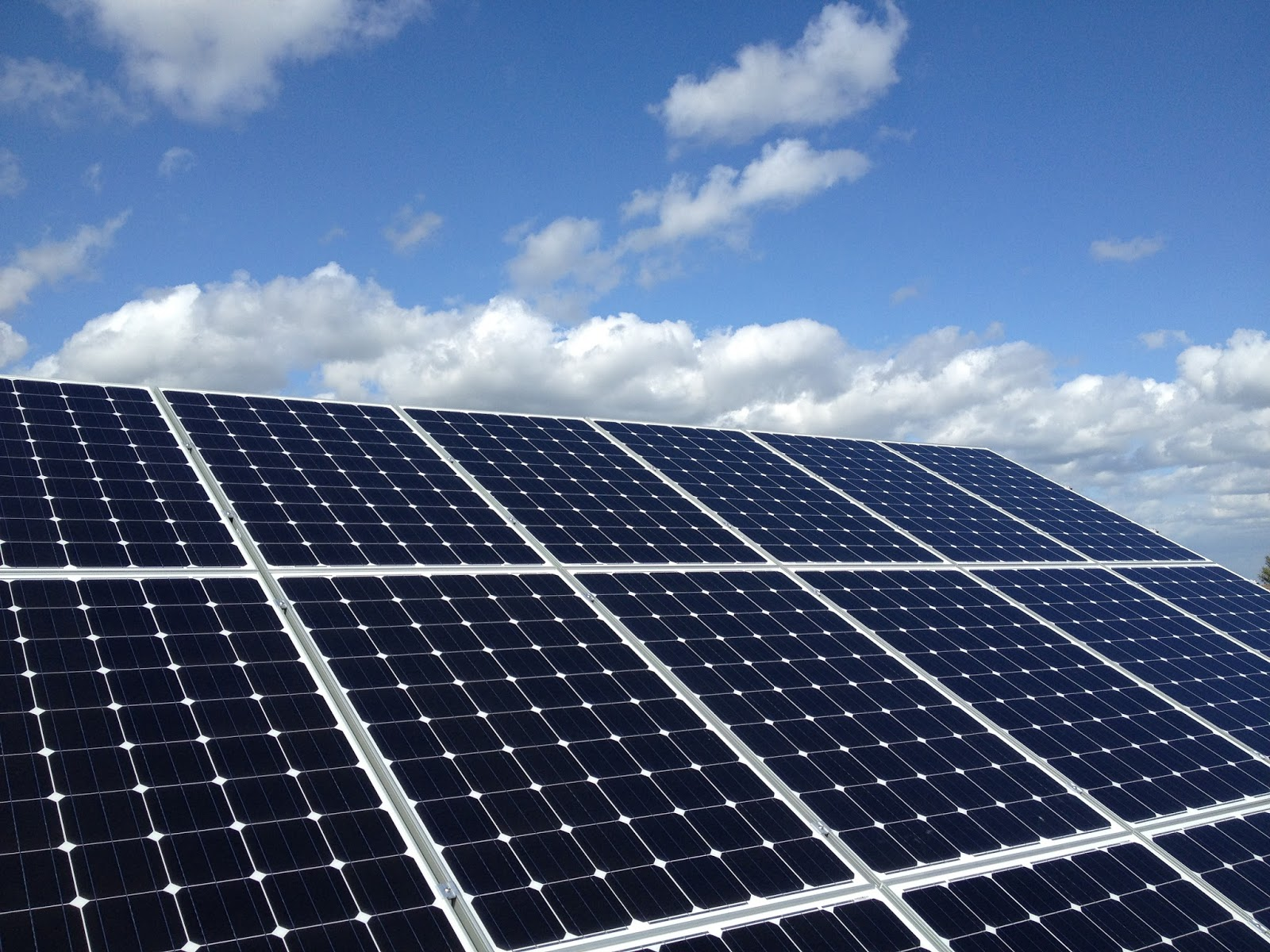 Solar Pv Systems Backup Power Ups Systems: LG Electronics Increases Production Of Solar PV Panels