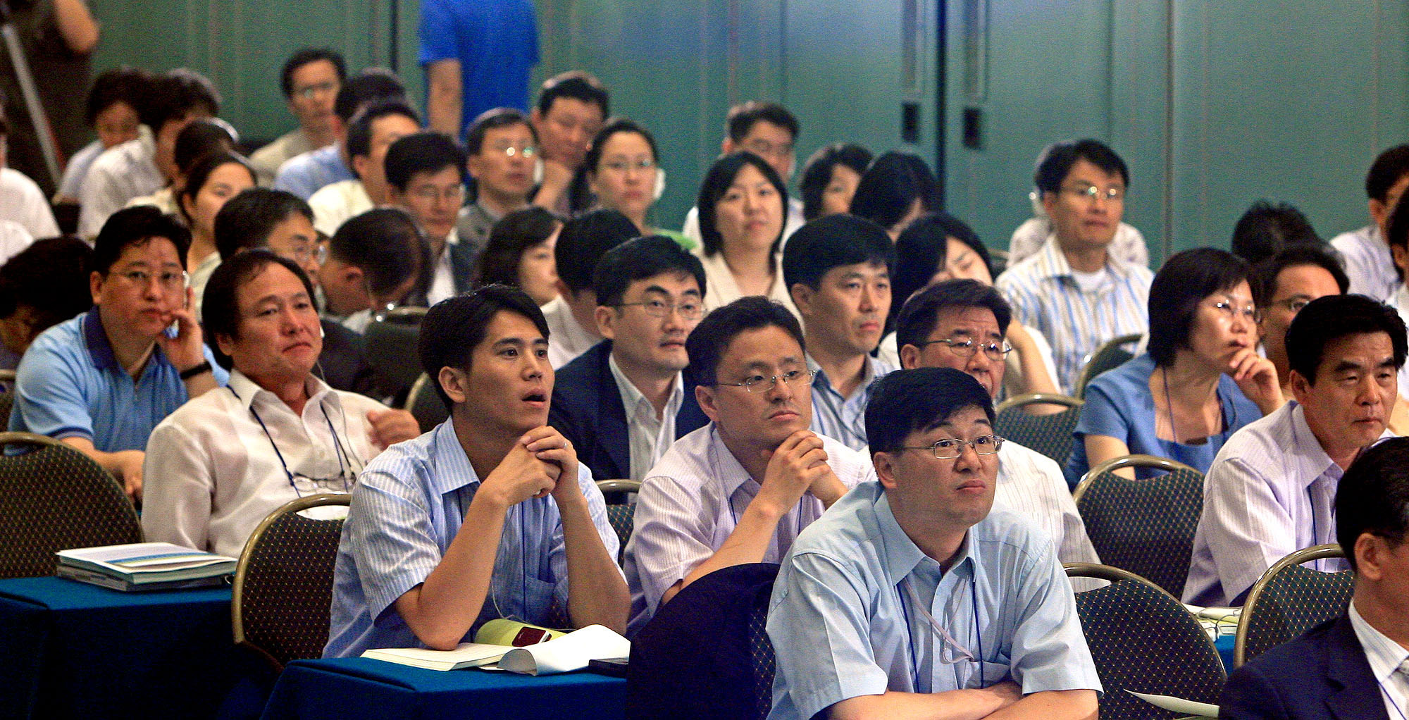 Employees of the Korea Electric Power Corporation listen to details about the company's new wage peak system on Jan. 14, 2015.