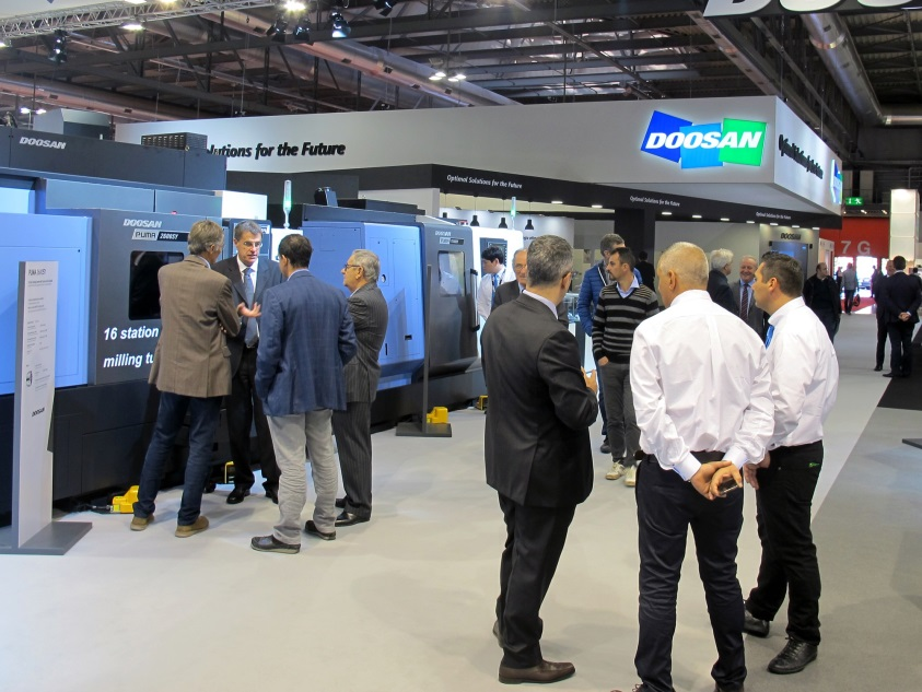 Doosan Infracore is introducing a total of 22 products, including the DHF 8000, a new horizontal machining center with simultaneous 5-axis machining developed by Doosan, and 10 other new products to the European market at EMO 2015.