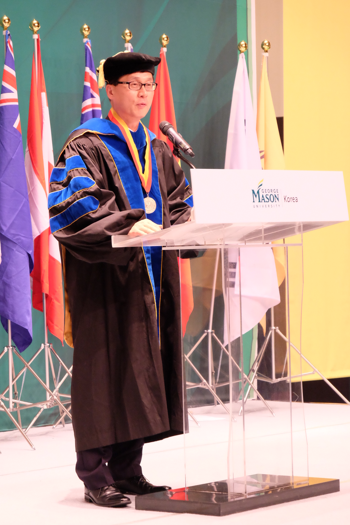 Newly appointed President of George Mason University Korea Dr. Steven K. Lee delivers inaugural message at the Incheon Global Campus concert hall on Nov. 19, 2015.