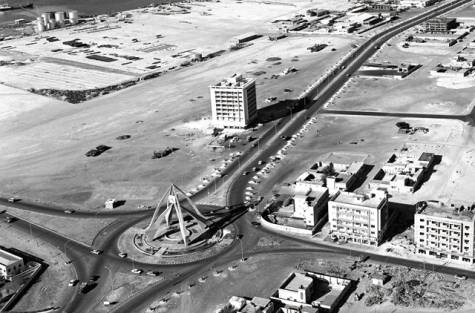 Dubai as it looked in 1978, looking north from the Sheikh Rashid Tower. The Deira Clocktower can be seen.