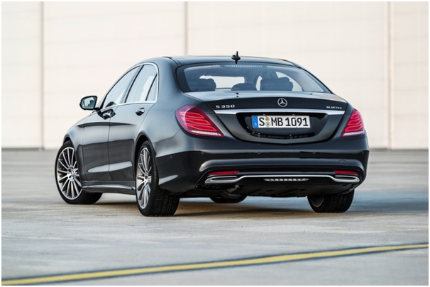 The Korea government has suspended the sale of Mercedes-Benz's four S350 diesel models as the carmaker sold the vehicles without registering them with the authorities.
