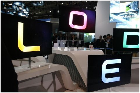 When it comes to OLED panel technology, the South Korean companies are regarded as being at least three years ahead of their Chinese counterparts.