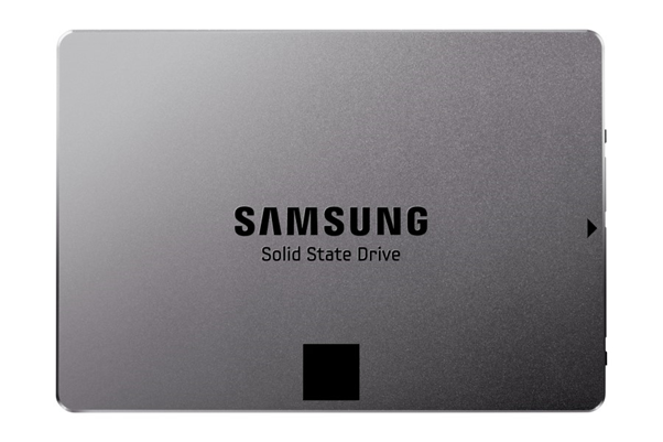 Samsung Electronics stood atop in the global SSD market with a 38 percent share in terms of sales last year, surpassing Intel by 14 percent.