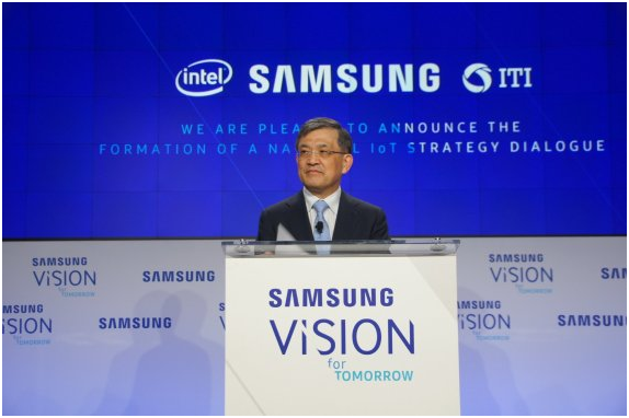 Kwon Oh-hyun, vice chairman of Samsung Electronics, delivers a keynote address at the IoT Policy Dialogue held at The Washington Post building in Washington, D.C., on June 21.