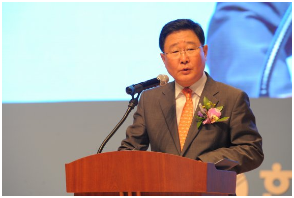 "Cho Seok, president of the Korea Hydro & Nuclear Power Corporation, committed to realize its slogan ""New & Clean Energy Silk Road"" on April 27."