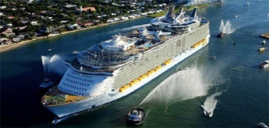 The cruise ship of Oasis of the Seas built by STX France in 2009.