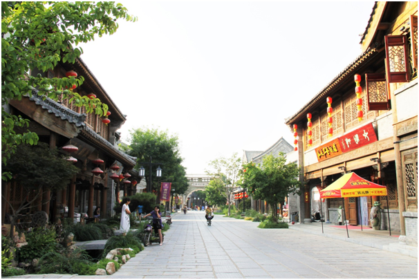 Qingzhou is home to hundreds of well-preserved ancient streets where more than 80 traditional folk games are performed every day
