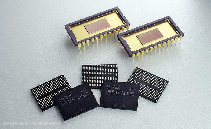 "A ""technological chicken game"" among global semiconductor companies is escalating, in particular, in 3D NAND flashes."