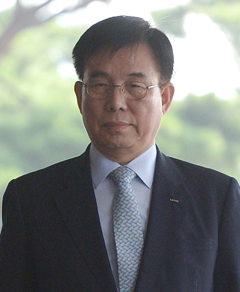 Huh Soo-young, CEO of Lotte Chemical.