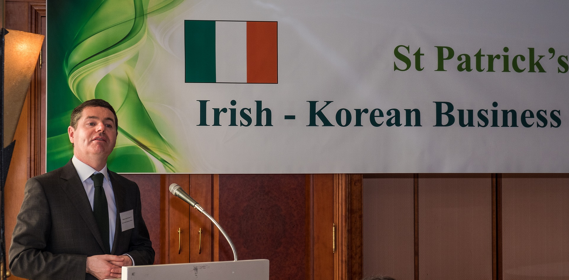 Irish Minister Paschal Donohoe speaks to attendees of a business networking breakfast that brings together Korean and Irish businesspeople on March 14, 2017.