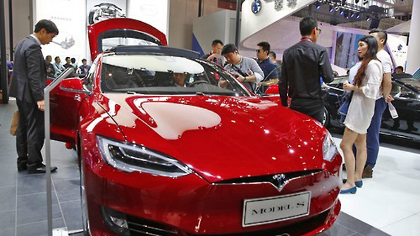 The price of the Tesla Model S90D with full options is 146.1 million won in South Korea and 124.77 million won in the United States.