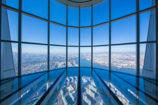 The Seoul Sky of Lotte World Tower with the highest glass-floor observation deck is the third-highest observation deck in the world.