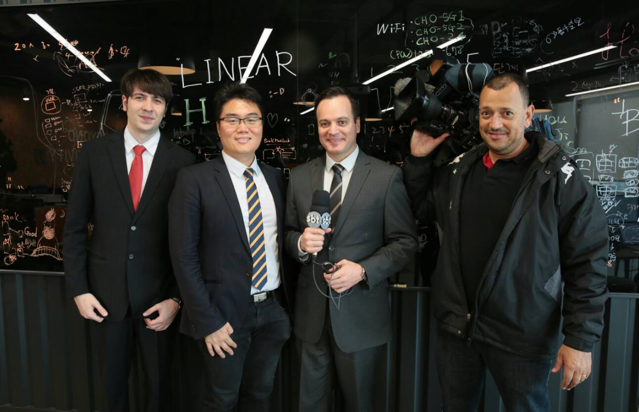 Marcelo Torres (second from right) a journalist at SBT, and, David Sehyeon Baek (second from left), Director of GCCEI.