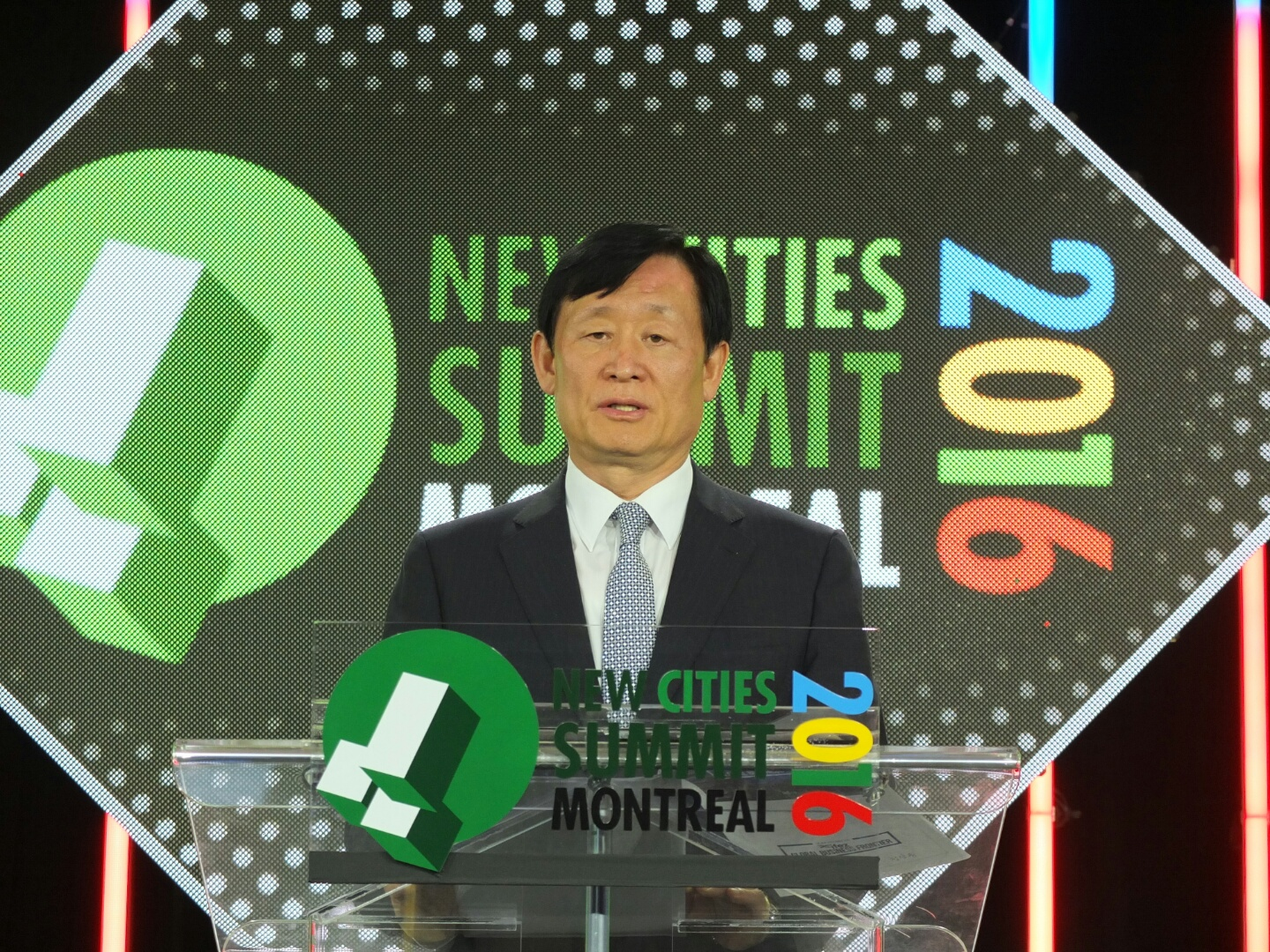 IFEZ Commissioner Lee Young-geun made a keynote speech at New Cities Summit 2016 in Montreal, Canada.