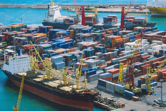 Exports in June amounted to US$51.4 billion, up 13.7 percent from a year, chalking up the six monthth continuous double digit growth and a growth for eight straight months.