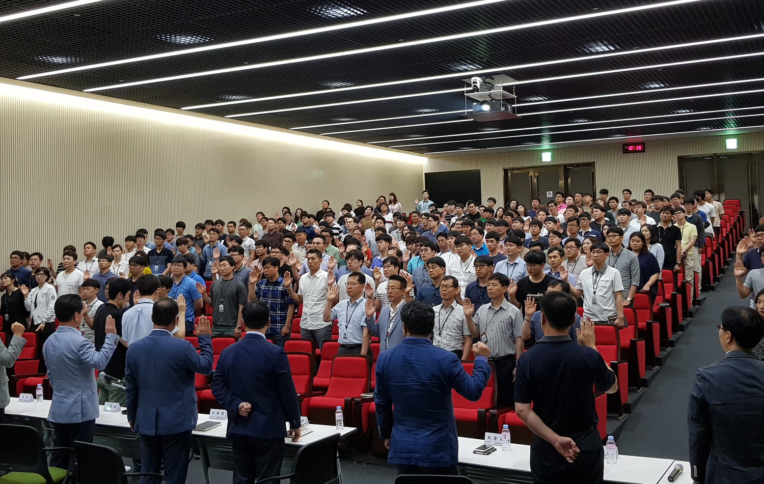 Kumho Tire employees held a meeting to normalize the management of the company.