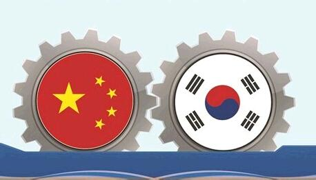 The role sharing structure between South Korea and China in terms of trade and investment relationship is getting weaker and the competition between the two is growing more fierce.
