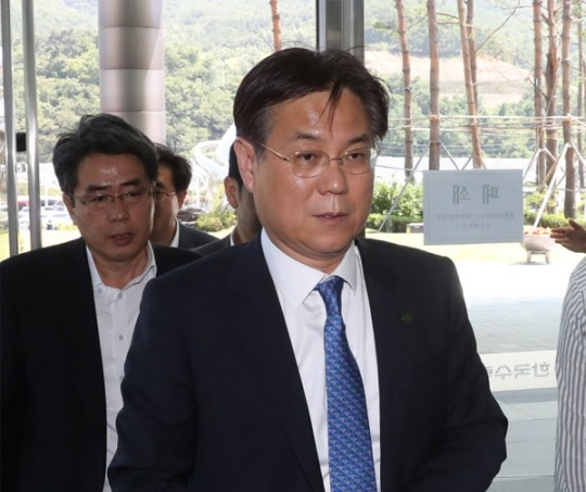 Lee Kwan-seop, president of Korea Hydro & Nuclear Power (KHNP), said on July 17 he will try to avoid concluding the eternal halt of the construction of the Shin Kori Nuclear Power Plants No. 5 and No. 6.