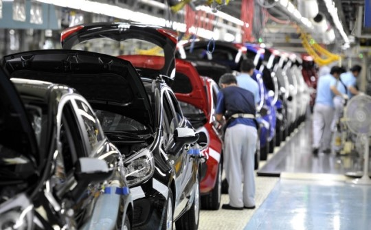 South Korean automakers' domestic sales volume increased 7.8% to 130,614 cars whereas the exports fell 5.7% to 494,801 units.