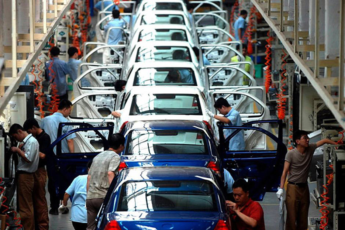Korea's car production shrank nearly 10 percent to 2.16 million units this year from 2.38 million units in 2012.