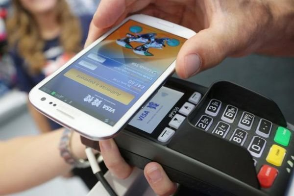 Payment systems of global ICT companies such as Apple Pay and Android Pay are recently expanding its service areas in Asia. (photo courtesy: Samsung Electronics)