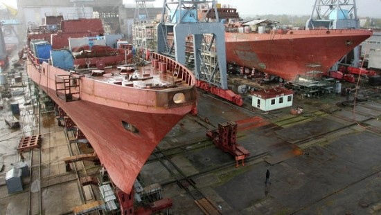 The restructuring of the shipbuilding and shipping industry has been allegedly transformed into deals among the insolvent companies controlled by state-run banks. (photo: BusinessKorea DB)