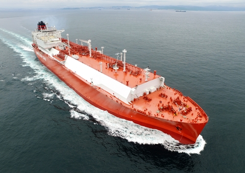 An increasing number of shipping companies are recently seeking to place orders to construct the liquefied natural gas (LNG) carrier.