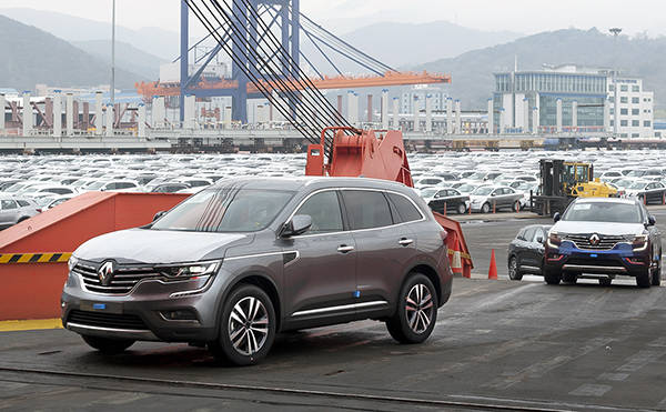 Both Spain and the U.S. are likely to overtake South Korea in car exports before the end of this year