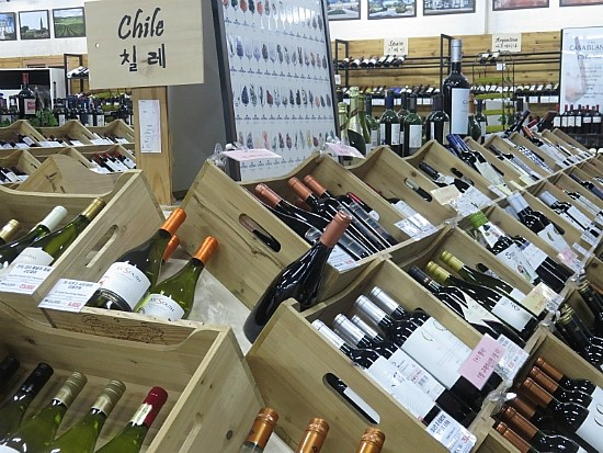 The average price of imported wines in South Korea is 80% higher than the average price of the same products outside the country.