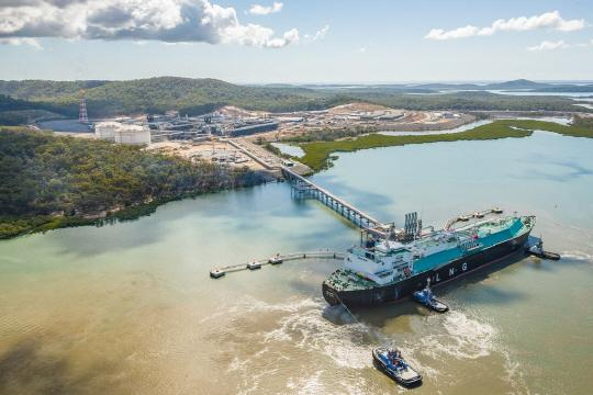 KOGAS is uploading LNG to an LNG tanker after developing a gas field on a coal bed in Queensland, Australia.