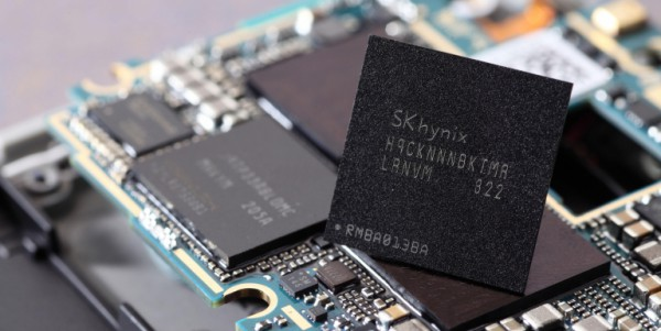 The United States and China, which are the biggest semiconductor consumers, are mounting pressure on Korea's semiconductor companies for their protectionism.