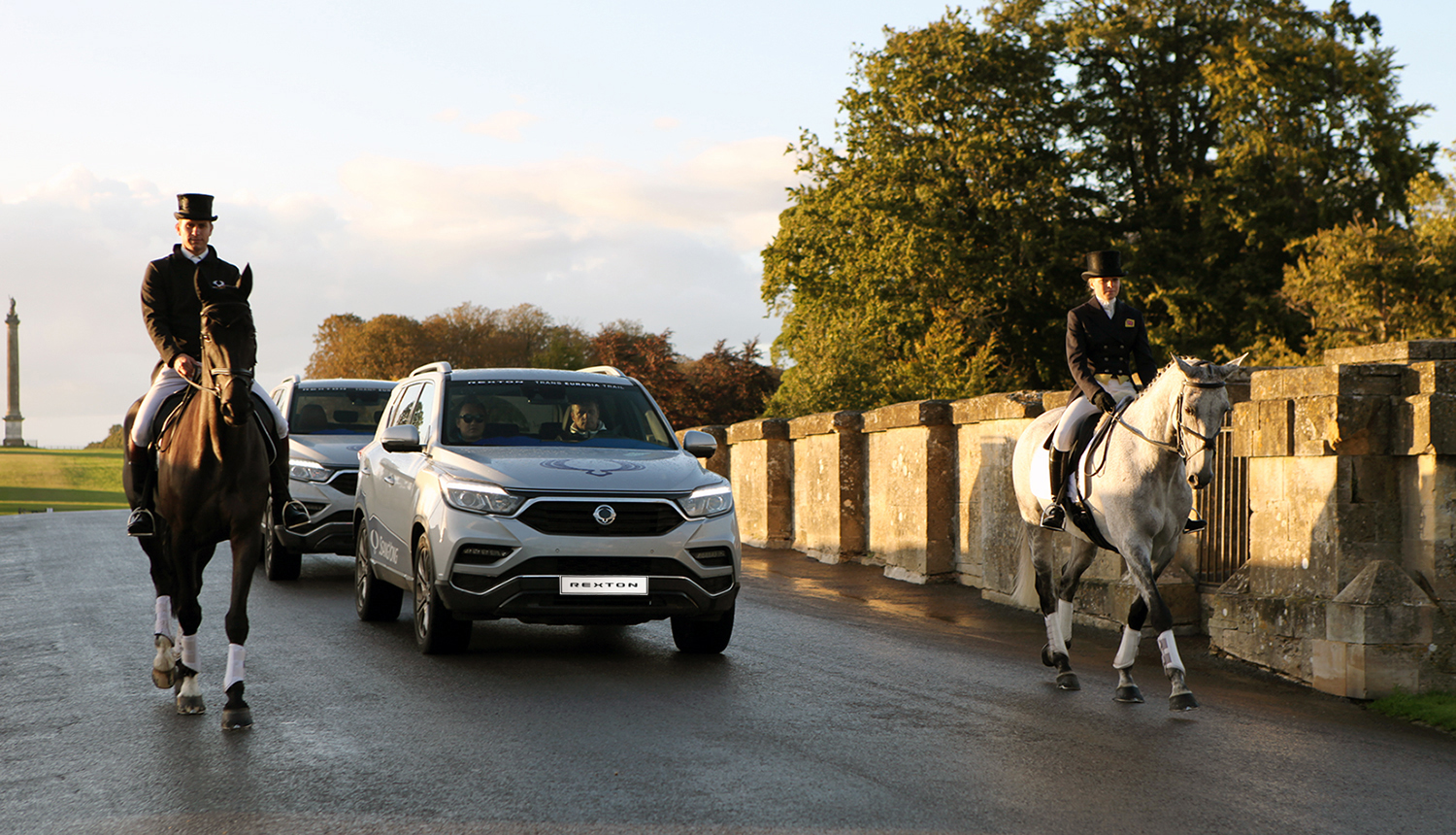SsangYong G4 Rexton has been selected as the 4WD Car of the Year in Britain by the 4X4 magazine.