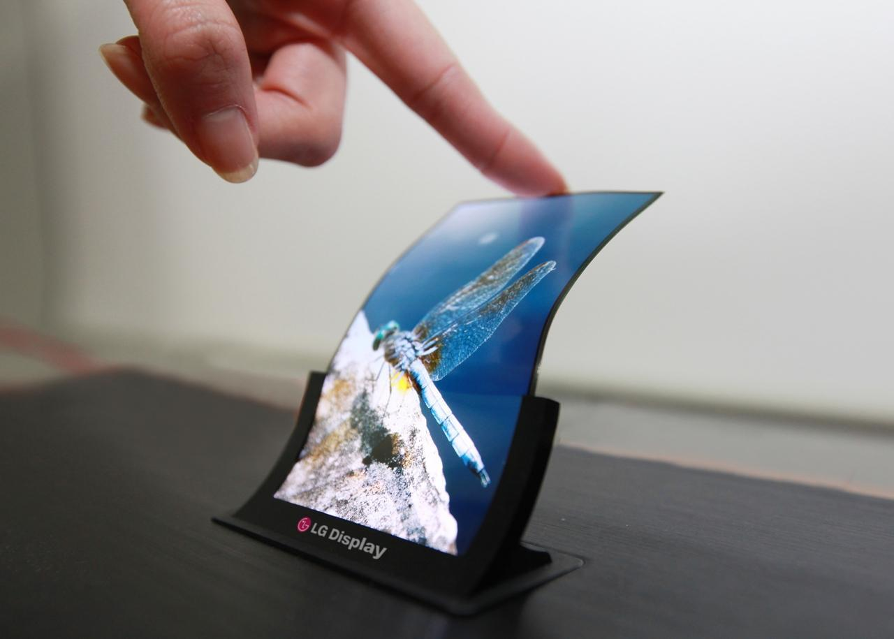 LG Display will supply flexible organic light emitting diodes (OLEDs) to Sony.