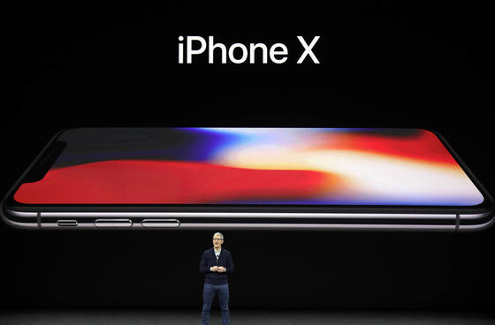 Apple is reducing its purchase of iPhone X components and the purchase is estimated to reach zero in the second half of this year.