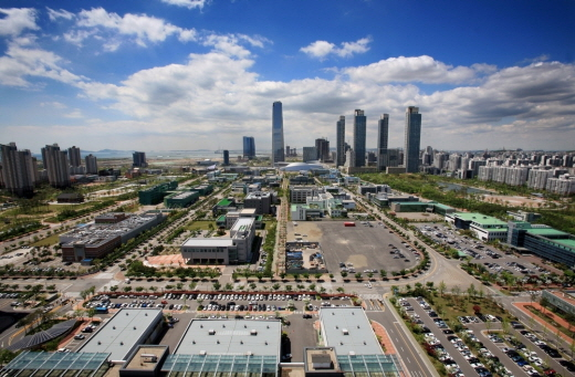 The South Korean government will allow the establishment of domestic general hospitals in the Songdo Free Economic Zone.