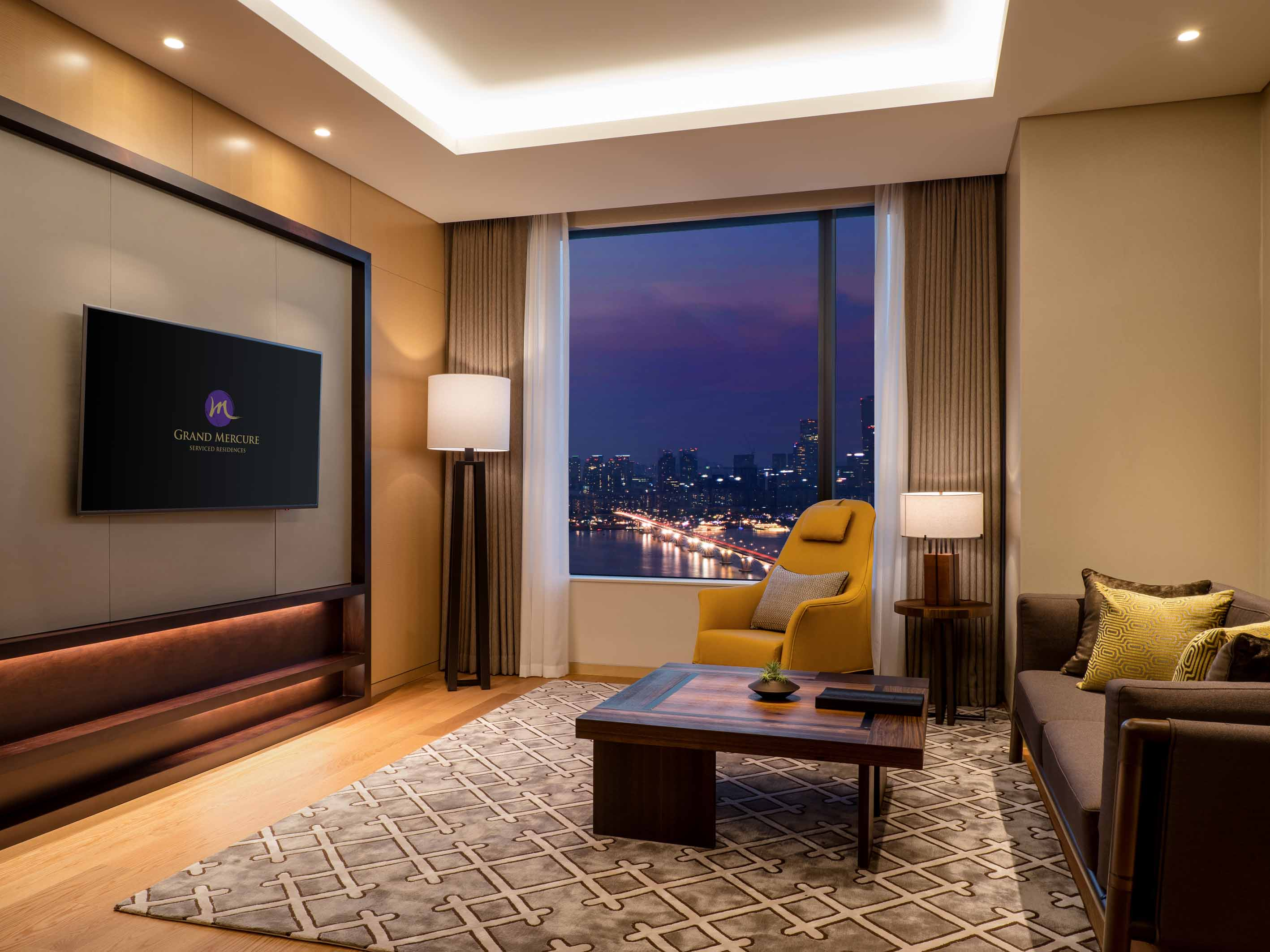 Deluxe Suite in Grand of Mercure Ambassador Seoul Yongsan of Seoul Dragon City
