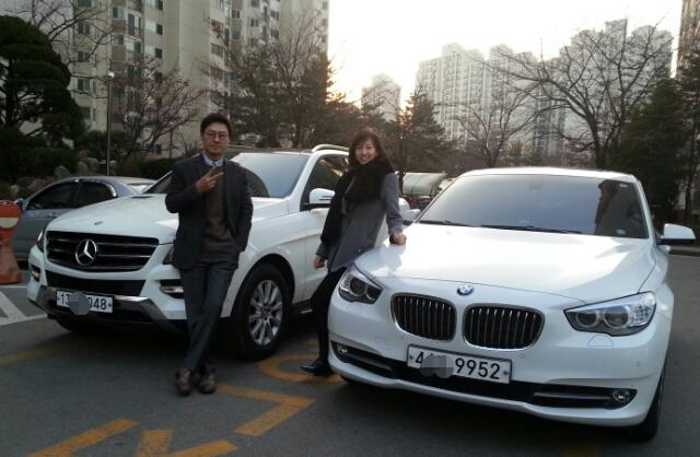 Mercedes-Benz Korea and BMW Korea sold 11,460 and 7,142 cars priced over 100 million won (US$93,703), respectively, last year.