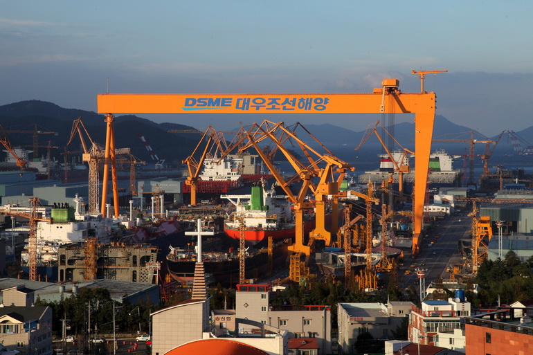 Daewoo Shipbuilding & Marine Engineering Co. (DSME, recorded an operating profit of 733 billion won (US$686.65 million) for 2017 based on consolidated financial statements.