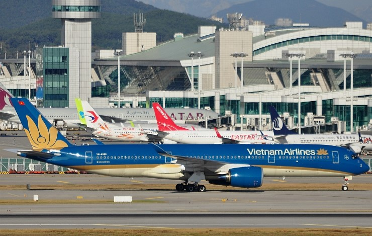 As the volume of bilateral trade between South Korea and Vietnam has shown a growth, the approved number of flights from South Korea to Vietnam jumped 53.8 percent from a year ago.
