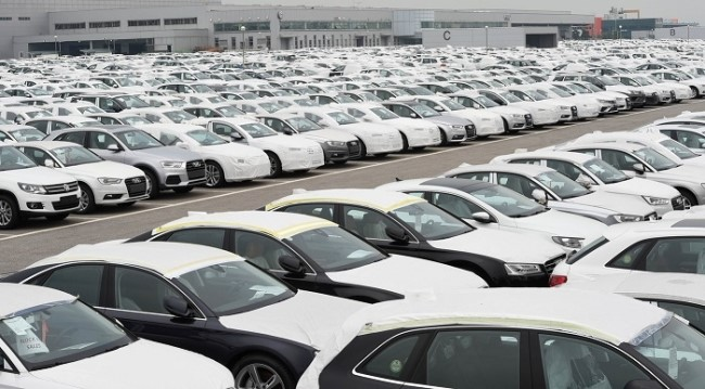 Although the sales and production in Korean automobile market decreased at the same time due to sluggish sales, wages rise due to annual negotiations with the labor unions.
