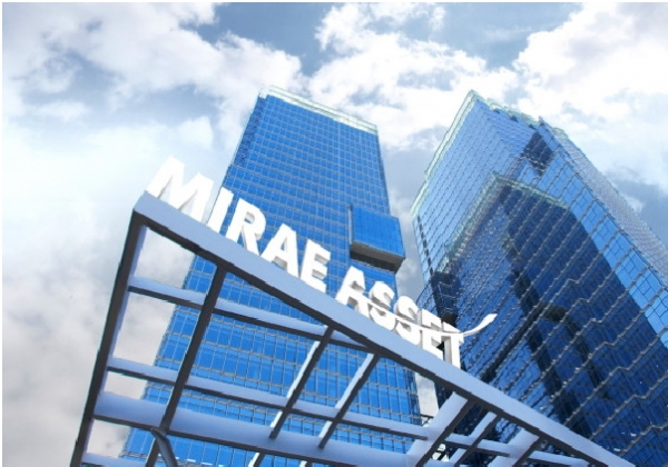 Financial authorities are taking aim at Mirae Asset Group and Samsung Group over the governance structure issue before implementing the consolidated supervision guideline for financial groups